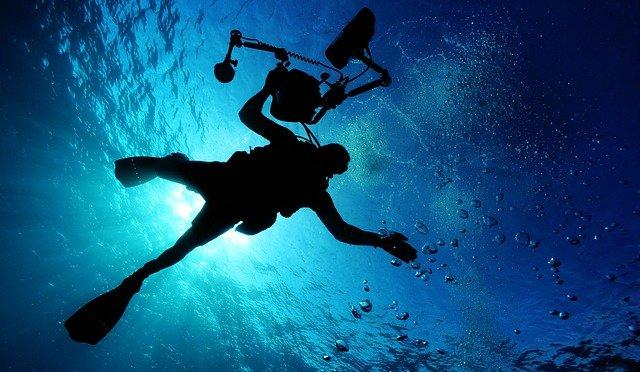 La plongée sous marine, une pratique sportive pour faire d'une pierre deux coups